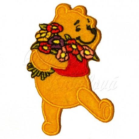 Nažehlovačka Disney Medvídek Pú s kyticí