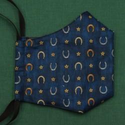 Rouška třívrstvá s kapsičkou - USA plátno - Podkovy na modré